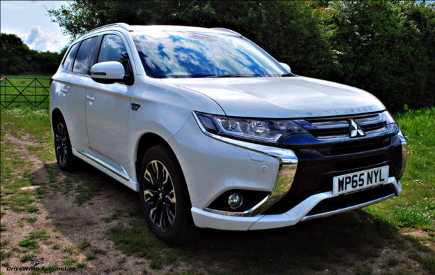 Hertz, low emission vehicle, fuel efficient car, low CO2 emissions, Mitsubishi Outlander PHEV, DriveWrite Automotive, car blog, motoring blog, lifestyle, lifestyle auto