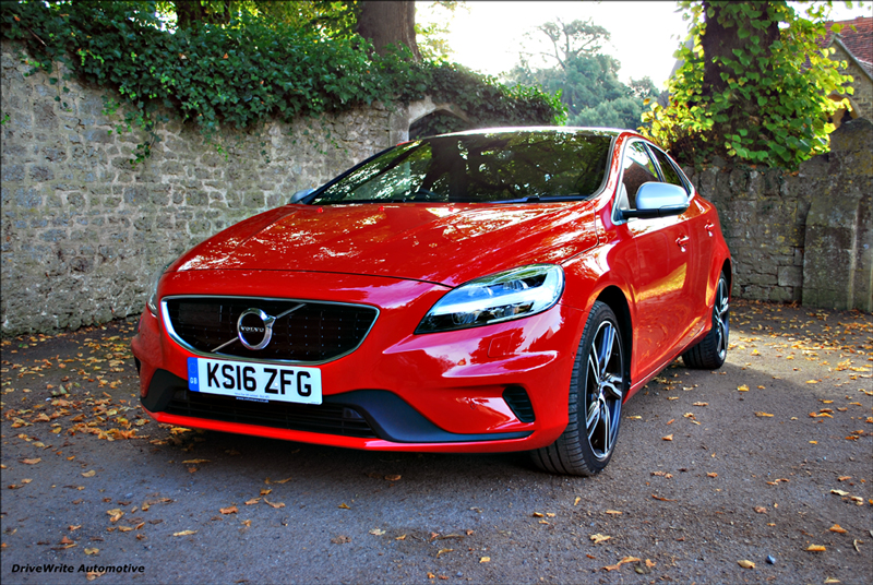 the volvo v40 r design ha en s ker resa drivewrite. Black Bedroom Furniture Sets. Home Design Ideas